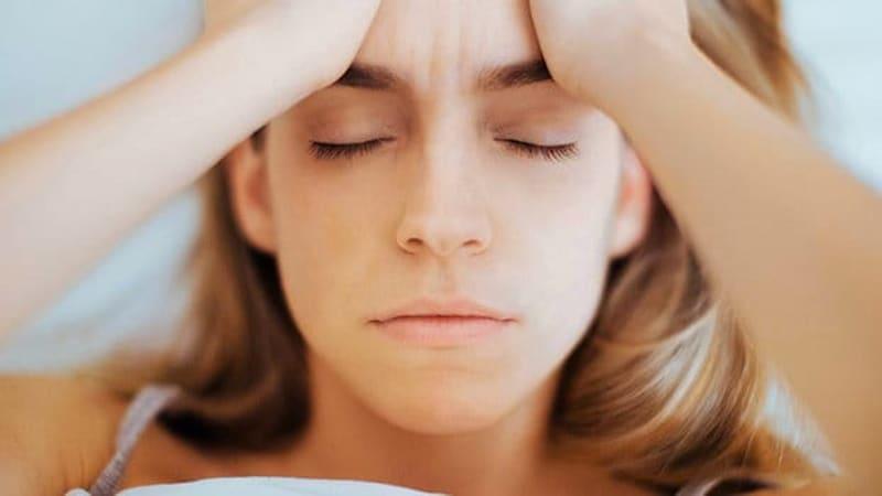 Donna sotto stress e soffre d'insonnia